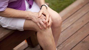 Лише 48 обертів п'ятами — і можете забути про проблеми із суглобами! Це допоможе впоратись із артрозом