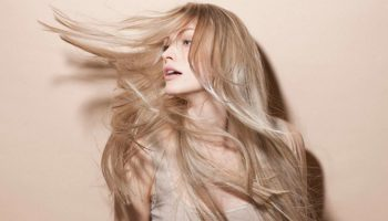 Лляна вода швидко усуває проблему випадіння волосся! Ось як її застосовувати
