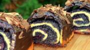 Пишні булочки з маком та вишнями: невагоме м'яке тісто та вдосталь начинки