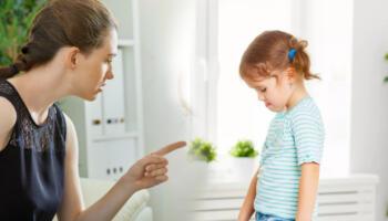 Ніколи не говоріть своїм дітям ці фрази, щоб не травмувати їхню психіку