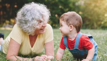 «Я ще занадто молода, щоб працювати бабусею!» – заявила мати синові і невістці